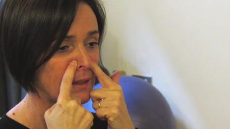 Video: Automassaggio del viso per prevenire il raffreddore
