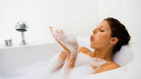 donna-bagno