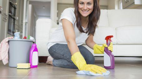 Come trasformare le pulizie di casa in un allenamento fitness?