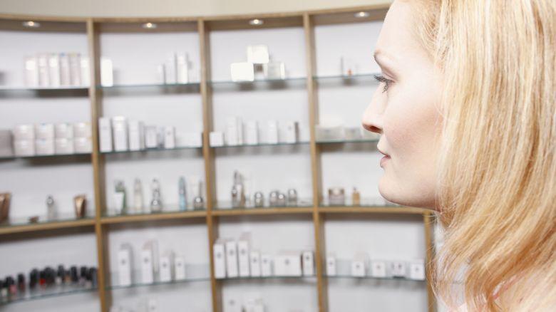 Cosmetici, le 5 cose che devi cercare nell'etichetta