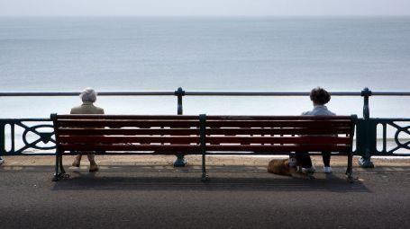 Come ci si sente da anziani? Invisibili