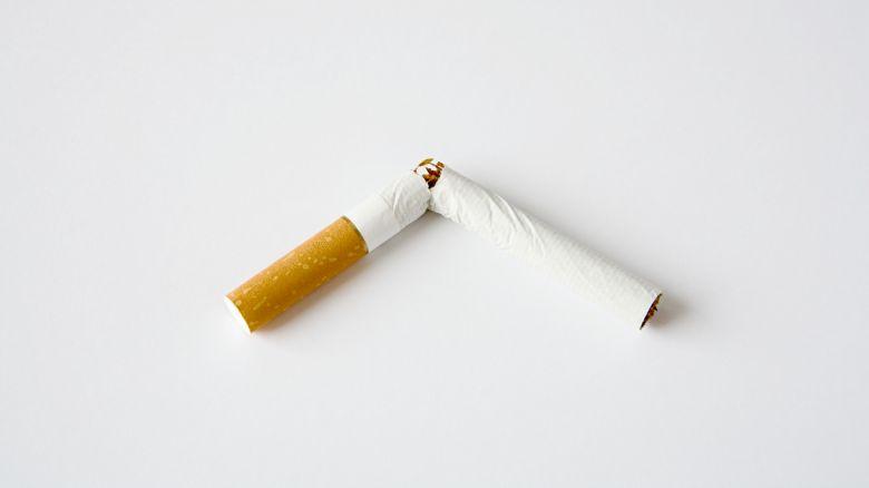 Alan una penalità per smettere di fumare