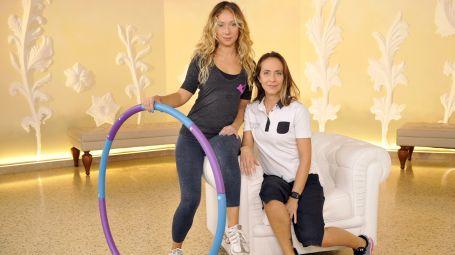Come allenarsi (divertendosi) con l'hula hoop