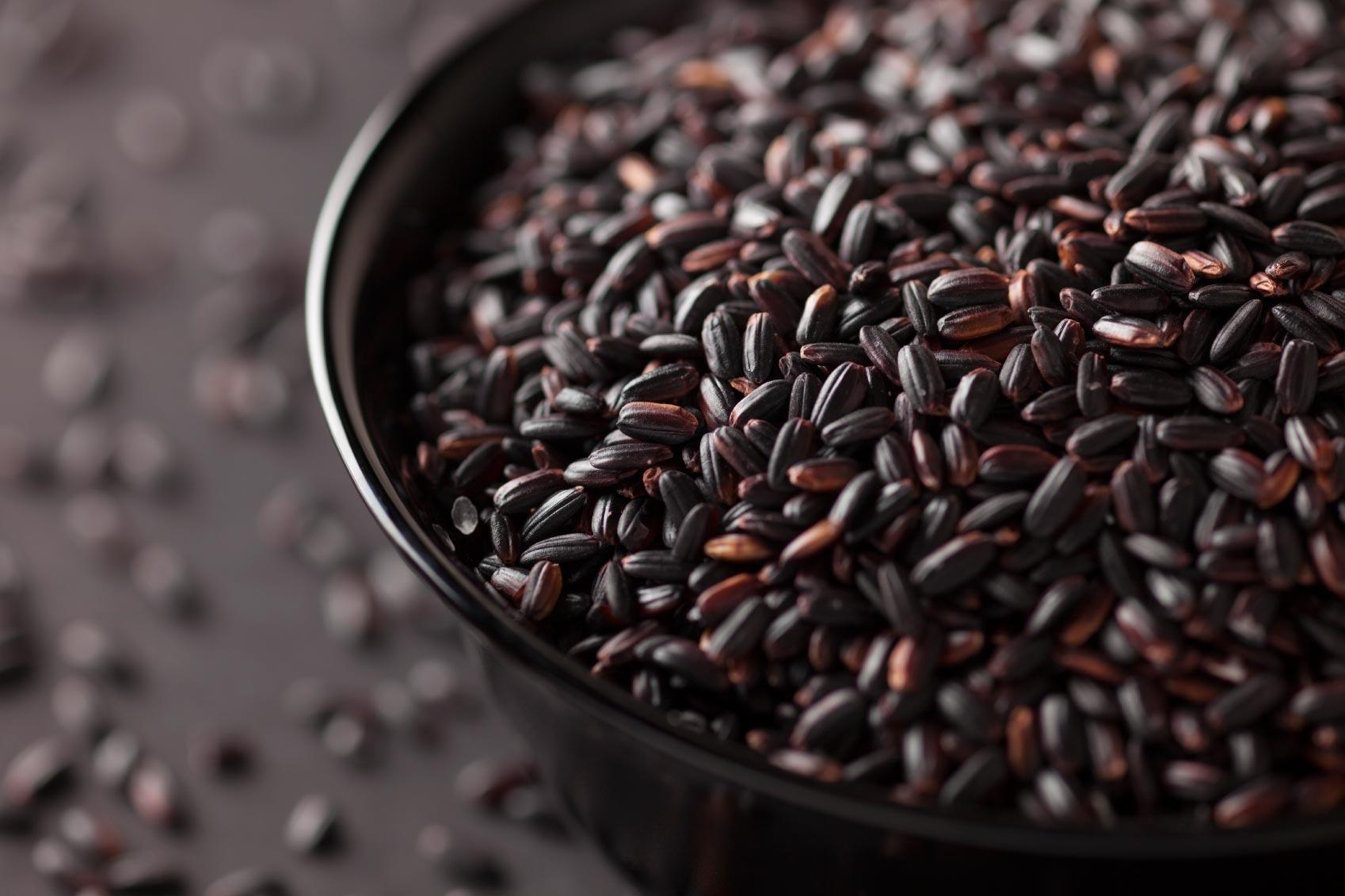 Ricetta del riso venere con fave e cicoria - Cucinare riso venere ...
