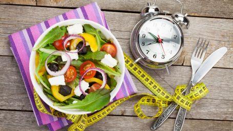 Dieta cronofasting: cos'è e come funziona