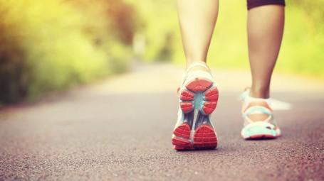 Per dimagrire è meglio correre o camminare?