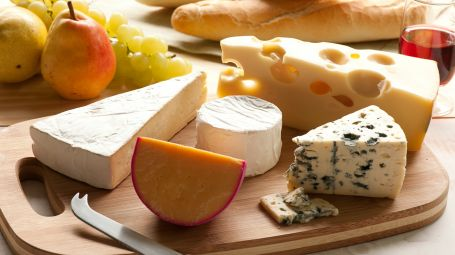 Colesterolo: via libera ai formaggi grassi