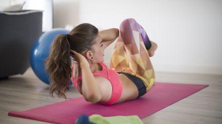 Esercizi fitness da fare a casa