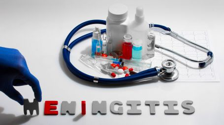 Meningite: vaccino sì o no?