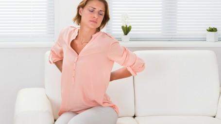 Mal di schiena: come curarlo senza farmaci
