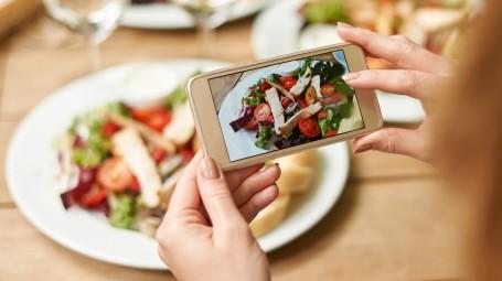 Perché fotografi tutto quello che mangi