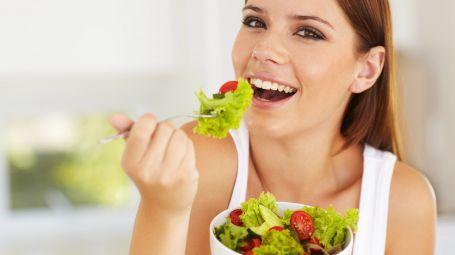dieta, insalata, sorriso, donna