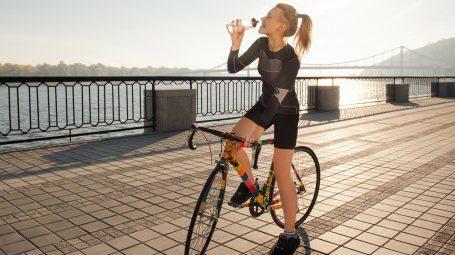 In bici per dimagrire: 2 programmi di allenamento