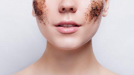 Peeling 'fai da te' per viso e corpo