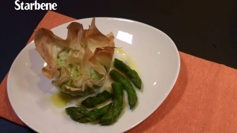 Come preparare la quiche di pasta fillo con asparagi e cipollotto