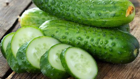 Più leggera coi cetrioli: 3 ricette detox