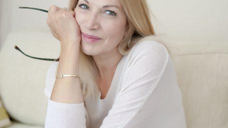 Come curare la pelle del viso a 50 anni