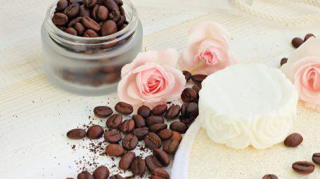 Caffè, un vero e proprio cosmetico naturale