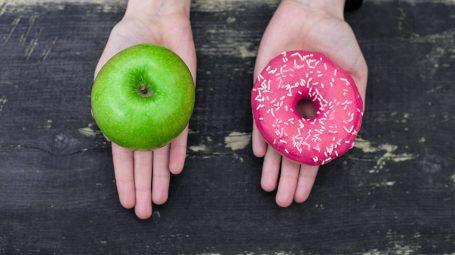 Attacchi di fame: 5 strategie infallibili per combatterli e mangiare di meno