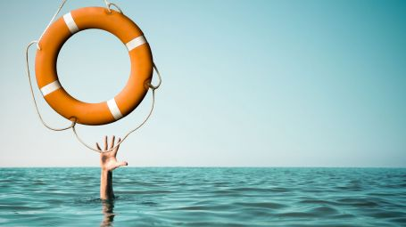 Rischio annegamento: come intervenire in sicurezza