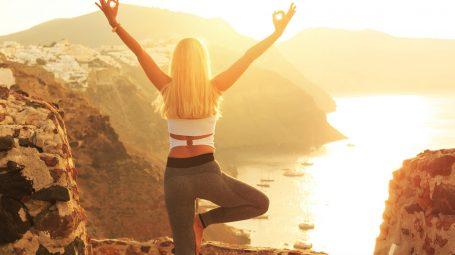 Lo yoga ti aiuta a perdere peso velocemente. Ecco come