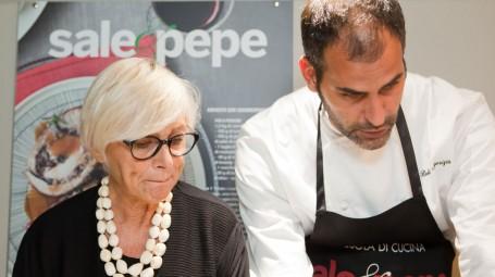 La dietologa Carla Lertola e lo chef di Sale&Pepe Roberto Maurizio