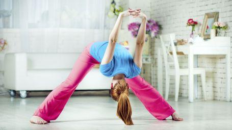 Il mini-training per allenarti mentre guardi la tv