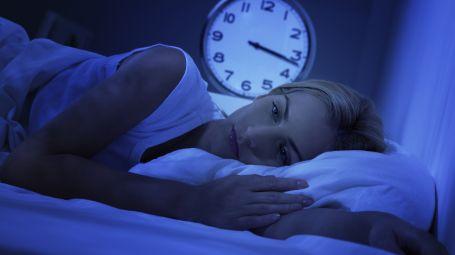 Insonnia: cosa fare se ti svegli nel cuore della notte