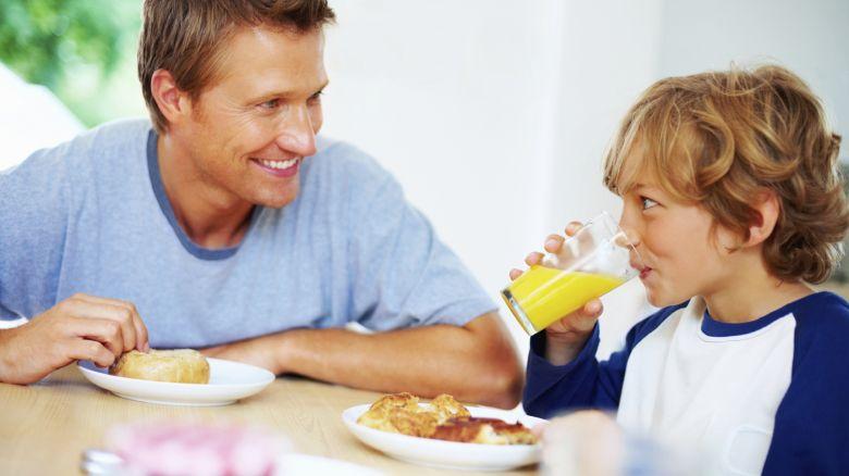 Pranzo Per Bambini 7 Anni : Bambini che mangiano troppo errori da non fare