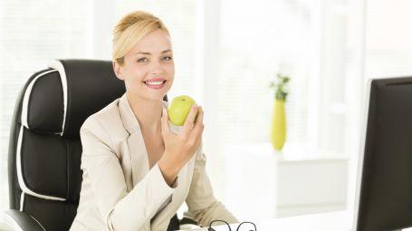 Dimagrire: perché una mela al giorno ti fa perdere i chili troppo