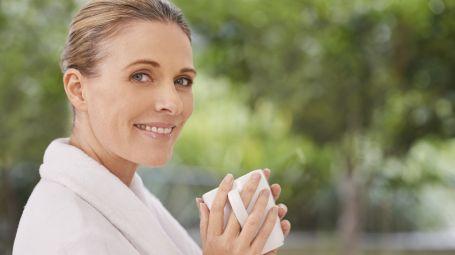 Tisana depurativa e crema modellante: usali in coppia per dimagrire