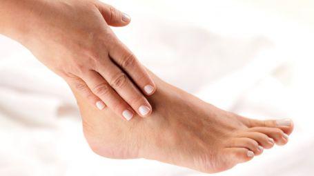 Artrosi della caviglia: gli esercizi per contrastare il dolore