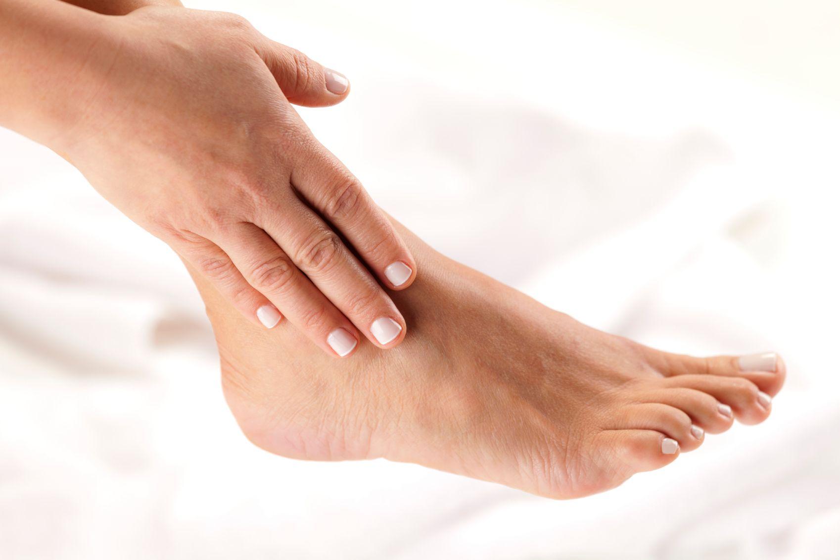 esercizi per perdere peso alle ginocchia e alle caviglie