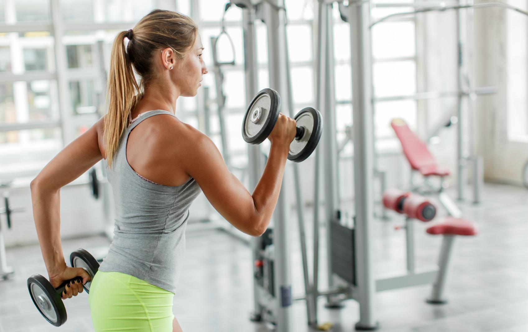 quanto grasso dovrebbe mangiare una donna attiva al giorno