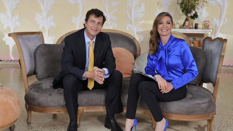 Tessa Gelisio con il dott. Alberto Fiorito, medico chirurgo, dipartimento scientifico di Guna