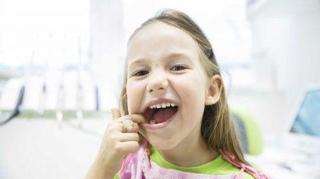Denti: quando è il momento giusto per mettere l'apparecchio