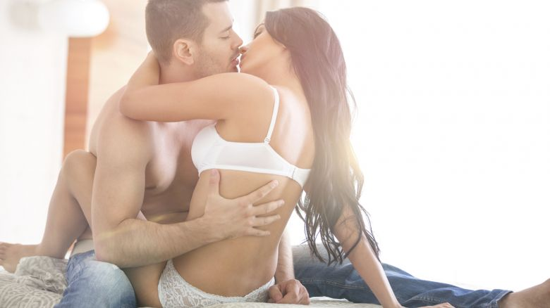 sesso anale e orgasmo femminilenero micio in letto