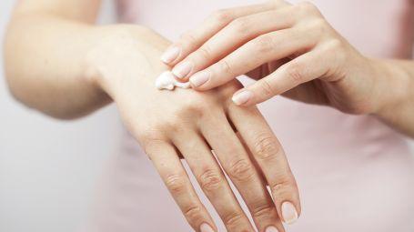 Mani: come mantenerle sane, belle e giovani
