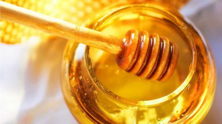 Il bagnodoccia al miele fai da te