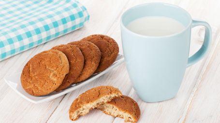 biscotti e latte