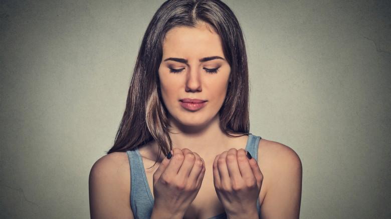 Unghie bluastre o violacee: cause e rimedi