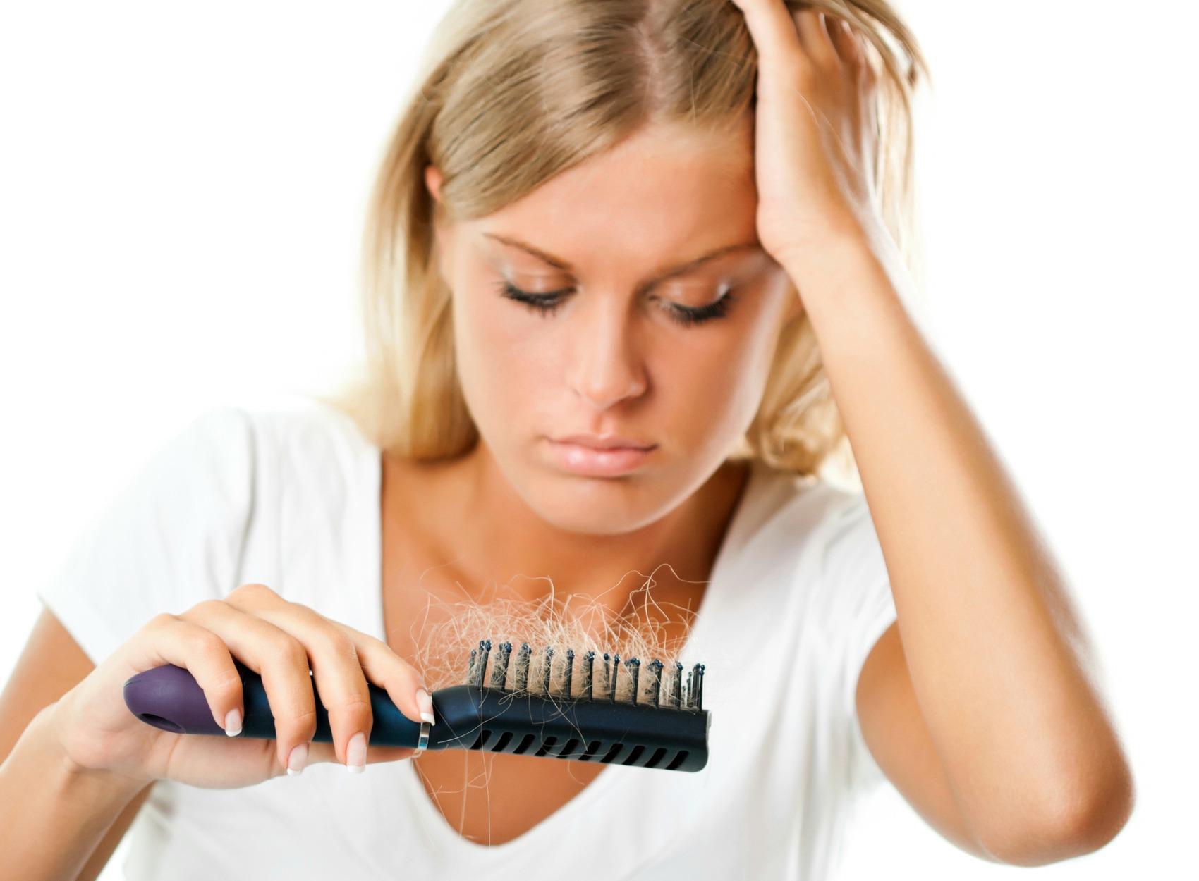 Caduta dei capelli  come combatterla 511a3c6e6217