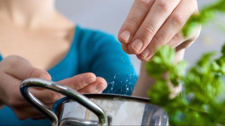 La dieta per dimezzare il sale