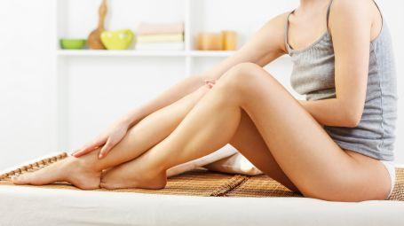 Cosa mangiare per avere gambe e caviglie sgonfie
