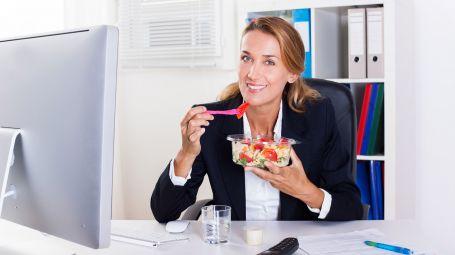 Le regole della pausa pranzo perfetta