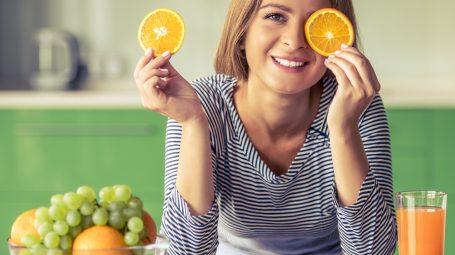 Vitamine: qual è la più importante a ogni età