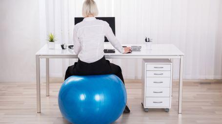 postazione lavoro, palla medica, benessere, ufficio