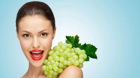 Bellezza viso: il tonico alla frutta fai-da-te