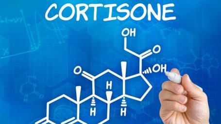 Cortisone: a cosa serve e quali sono gli effetti collaterali