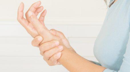 Quando le mani fanno male: le soluzioni chirurgiche